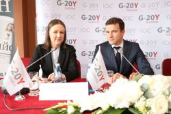 Ksenia Khoruzhnikova and Jean-Luc Larribau on the G-20Y Summit 2013 Press Conference